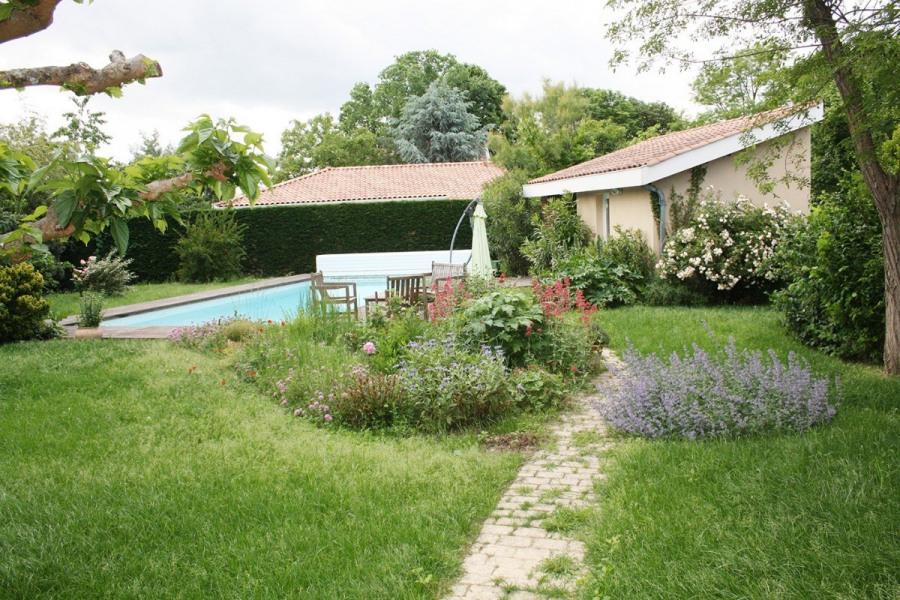 Au cœur du triangle Toulouse/Castres/Albi, séjournez dans cette demeure d'architecte avec piscine...