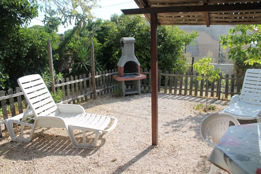Studio L'amandier avec jardin privatif à 400m de la plage