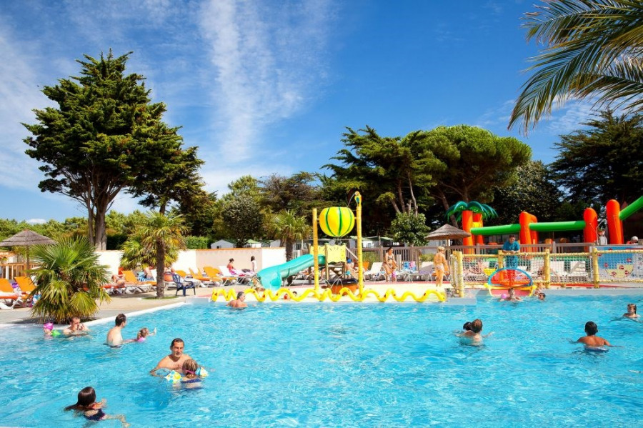 Camping les Peupliers ****, 21 emplacements, 199 locatifs