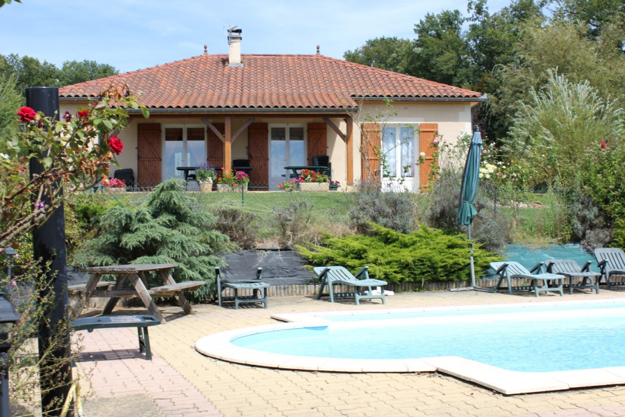 Location vacances Anglars-Nozac -  Maison - 8 personnes - Barbecue - Photo N° 1