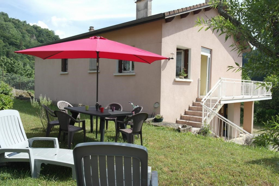 Location vacances Saint-Julien-Labrousse -  Maison - 8 personnes - Barbecue - Photo N° 1