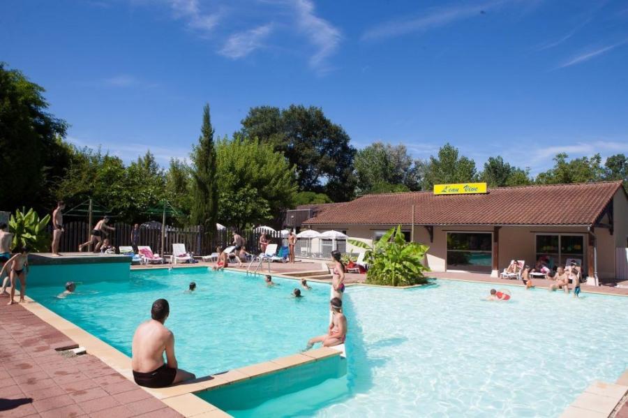 Camping l'Eau Vive, 100 emplacements, 40 locatifs
