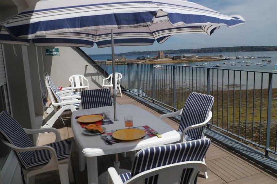 Location vacances Camaret-sur-Mer -  Appartement - 2 personnes - Salon de jardin - Photo N° 1