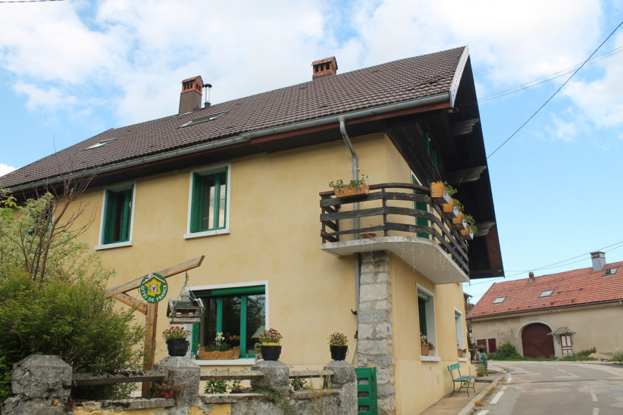 Apartment in a village house for 4 people
