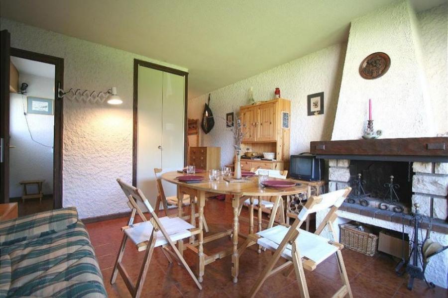 Résidence située au centre du village, à proximité de tous commerces et services, proche de l'arr...