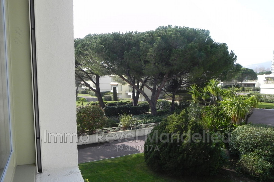 Holiday rentals Mandelieu-la-Napoule - Apartment - 1 persons - Lift - Photo N° 1