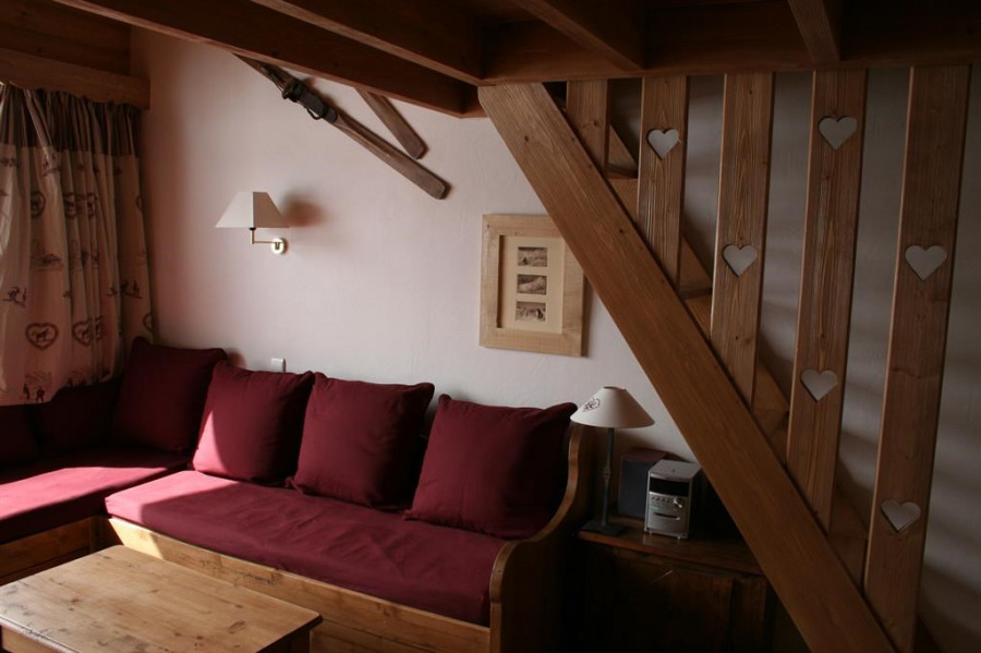 Location vacances Les Allues -  Appartement - 6 personnes - Salon de jardin - Photo N° 1