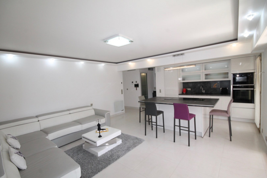 Holiday rentals Cannes - House - 4 persons -  - Photo N° 1