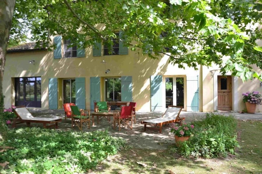 Location vacances Le Thor -  Maison - 8 personnes - Barbecue - Photo N° 1