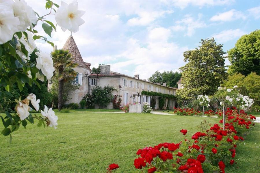 Location vacances Léoville -  Chambre d'hôtes - 16 personnes - Barbecue - Photo N° 1