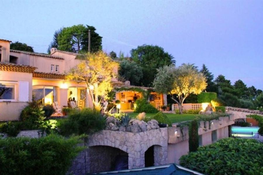 Superbe Villa près Nice, vue mer, Pisc Sauna Spa.
