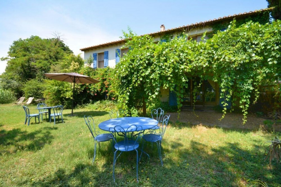 Location vacances Arles -  Gite - 5 personnes - Barbecue - Photo N° 1