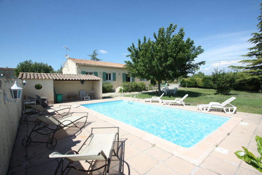 Holiday rentals Cabrières-d'Avignon - House - 6 persons - BBQ - Photo N° 1