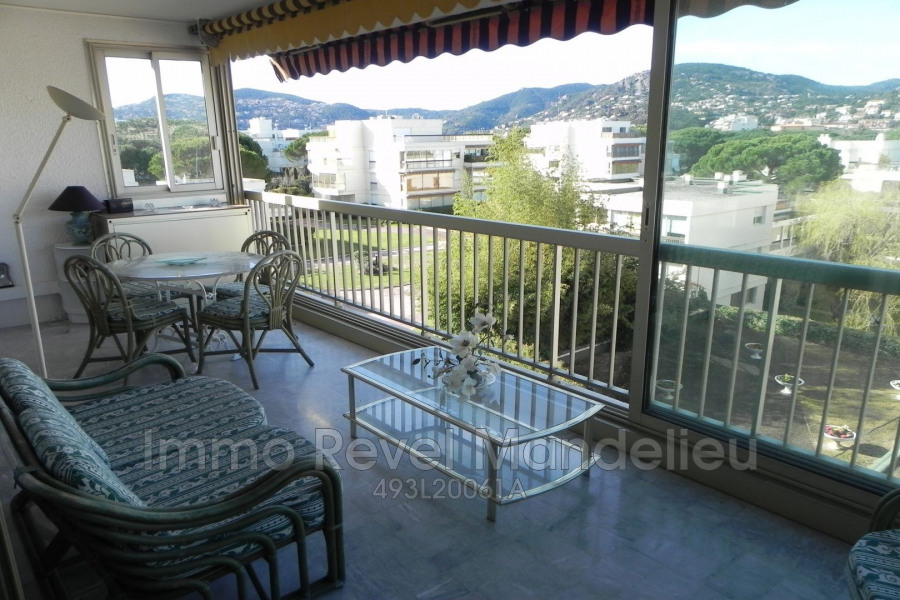 Holiday rentals Mandelieu-la-Napoule - Apartment - 4 persons - Lift - Photo N° 1