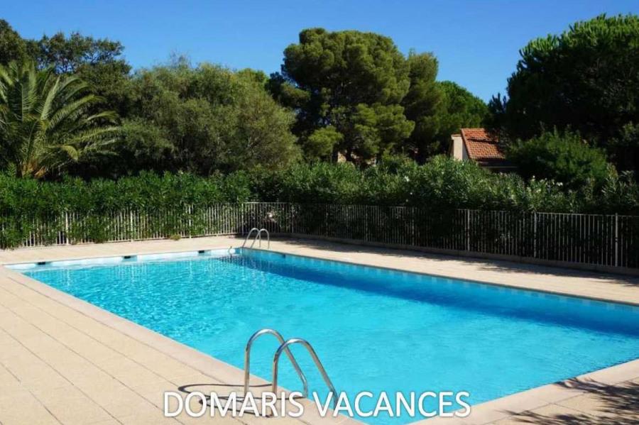 Appartement ** 1 chambre, 4 couchages, terrasse face jardin, piscine, proche plage