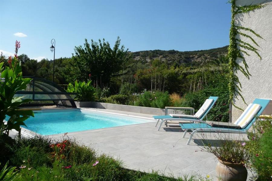 piscine et jardin côté sud
