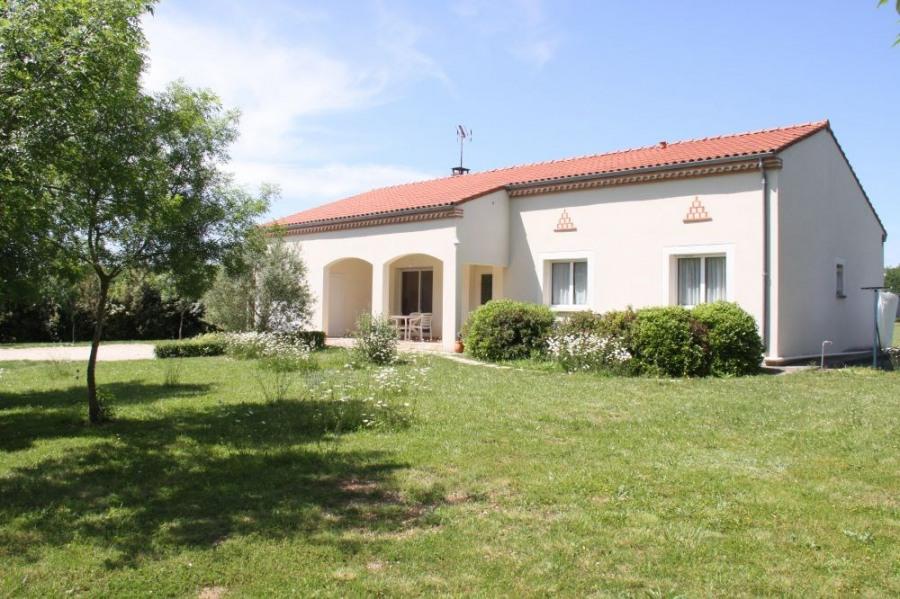 Maison près d'Albi. plain pied. 2 terrasses. Campagne. Grand terrain & garage