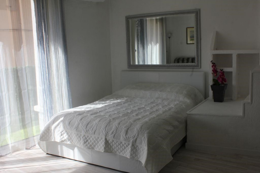 Holiday rentals L'Isle-sur-la-Sorgue - Apartment - 4 persons - Garden furniture - Photo N° 1