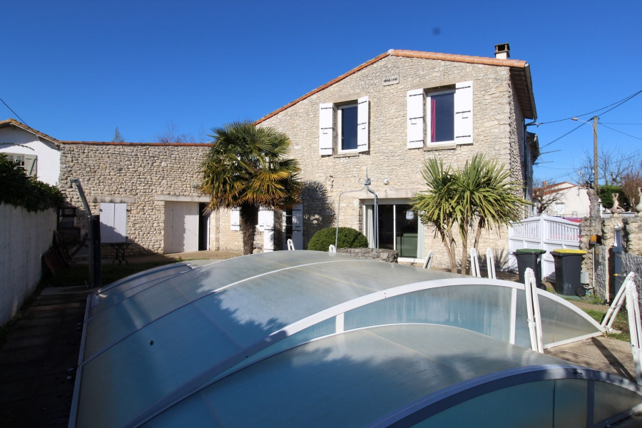 Holiday rentals Saint-Palais-sur-Mer - House - 10 persons - BBQ - Photo N° 1