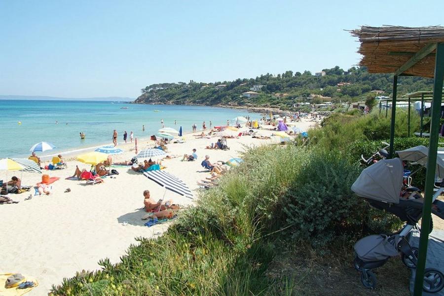 Bienvenue au Camp du Domaine, le meilleur de la Côte d'Azur avec un accès direct à la mer… Var, Bormes-les-Mimosas, L...