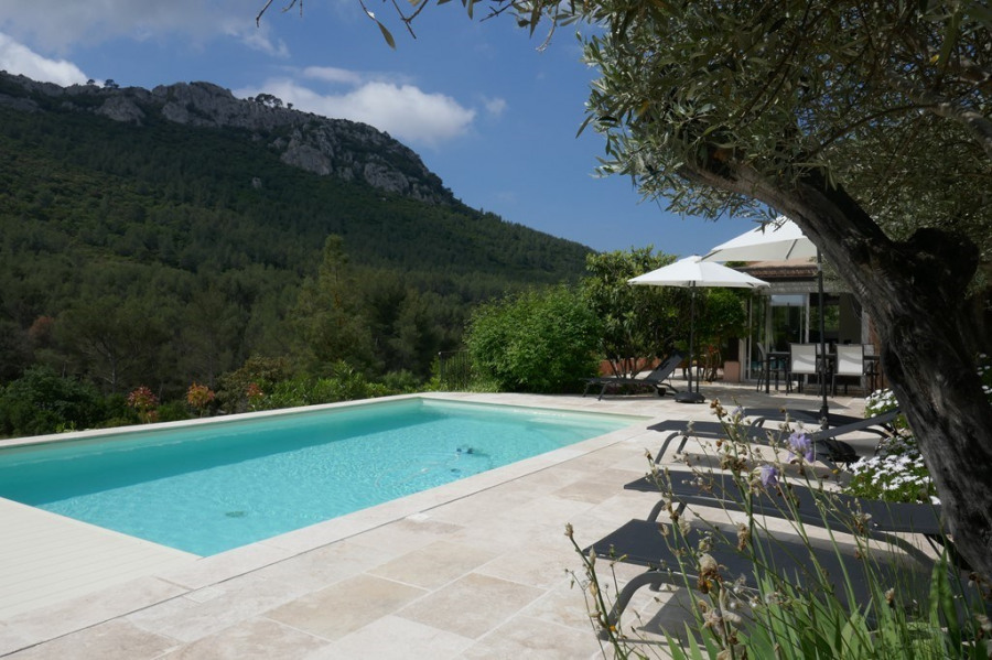 Location vacances Le Castellet -  Maison - 8 personnes - Barbecue - Photo N° 1