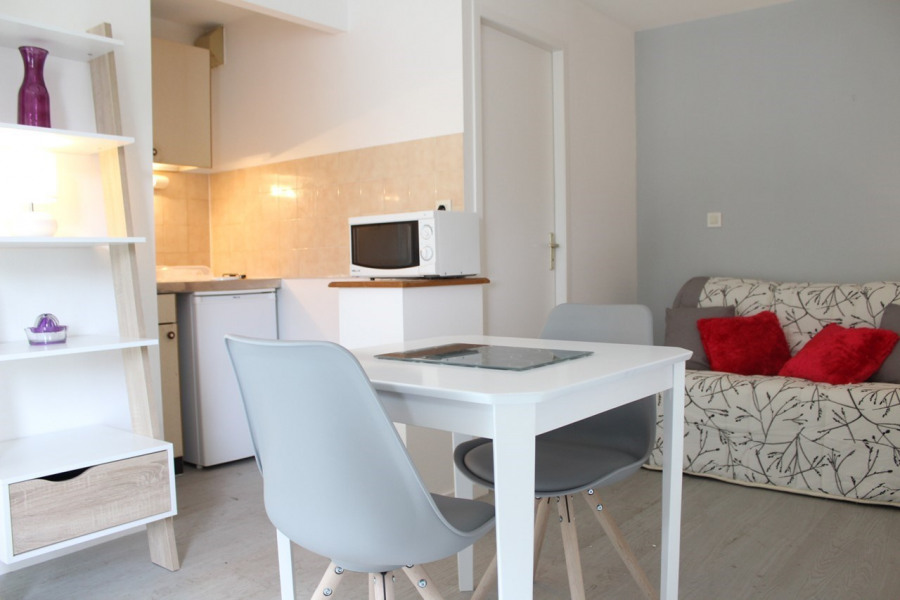 Location vacances La Rochelle -  Appartement - 2 personnes - Aspirateur - Photo N° 1