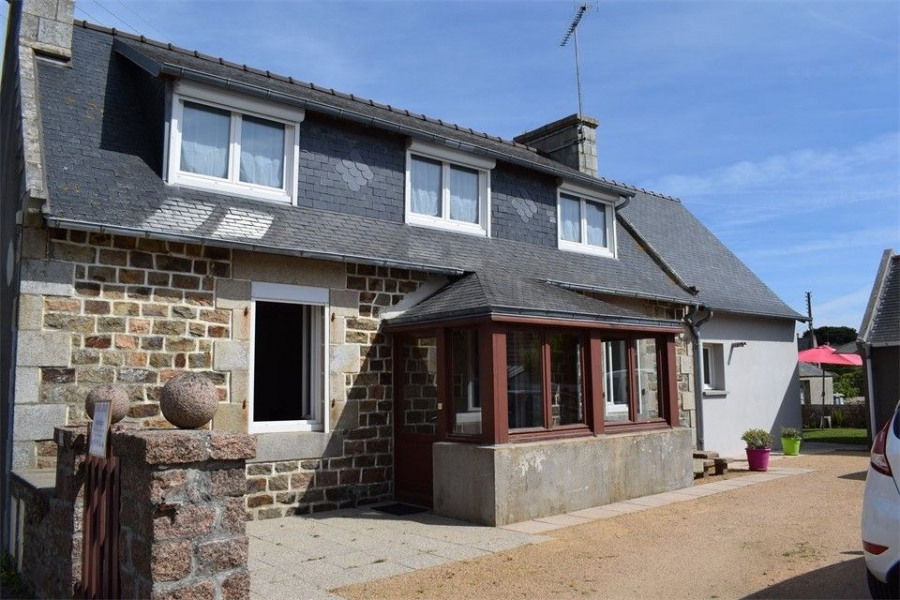 Maison bretonne rénovée, située au coeur de Ploumanac'h
