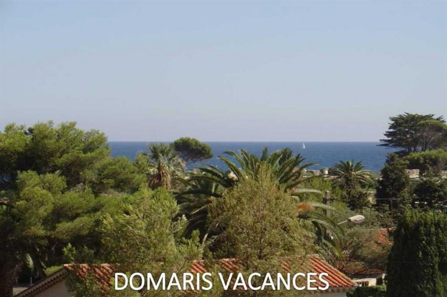 Holiday rentals Fréjus - Apartment - 5 persons - Garden furniture - Photo N° 1