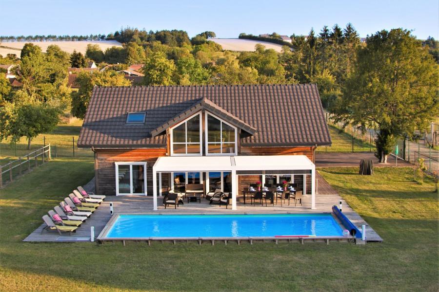 Le Détour du Der , sa grande piscine privée,chauffée et sa pergola bioclimatique