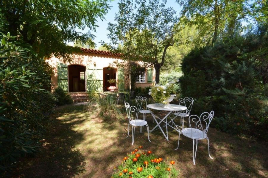 Location vacances Vauvenargues -  Gite - 4 personnes - Jardin - Photo N° 1