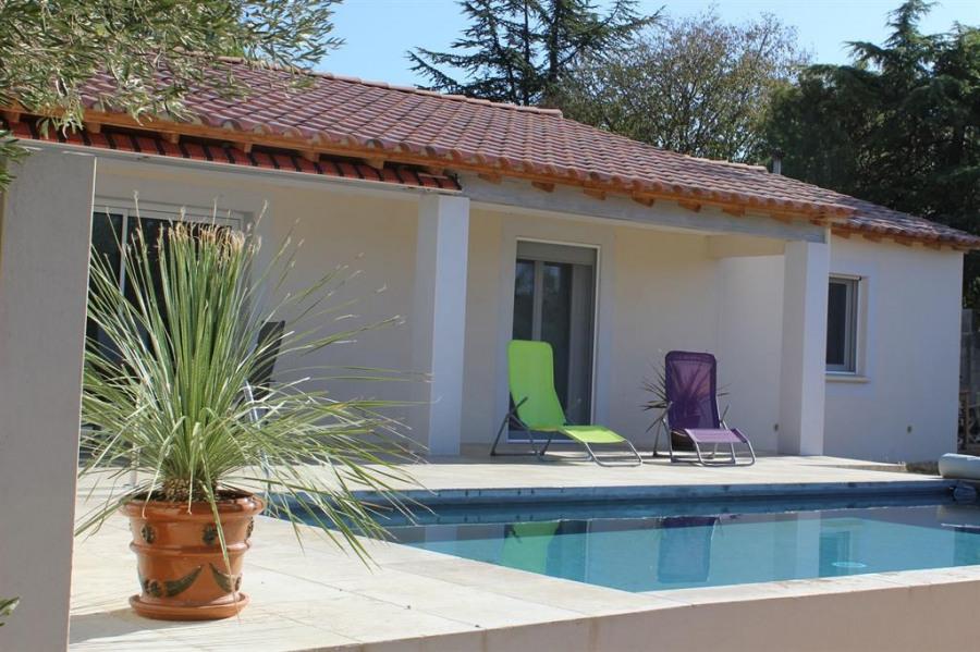 Coin piscine sur terrasse