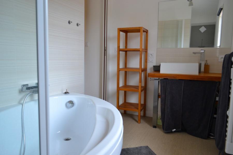 Salle de bain attenante à la chambre parentale