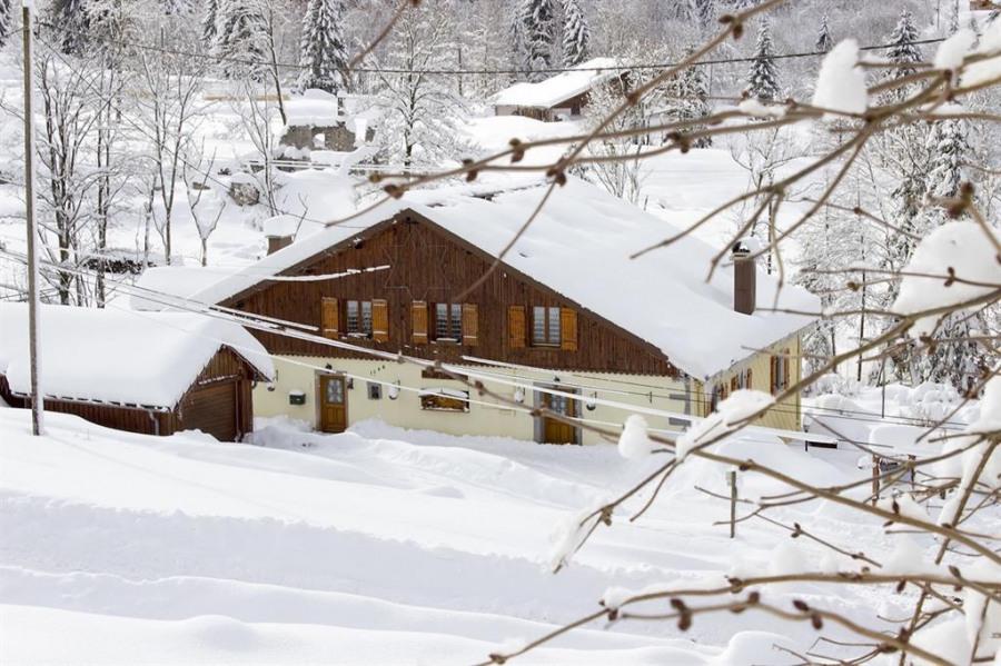 La ferme de la vieille route du col en hiver