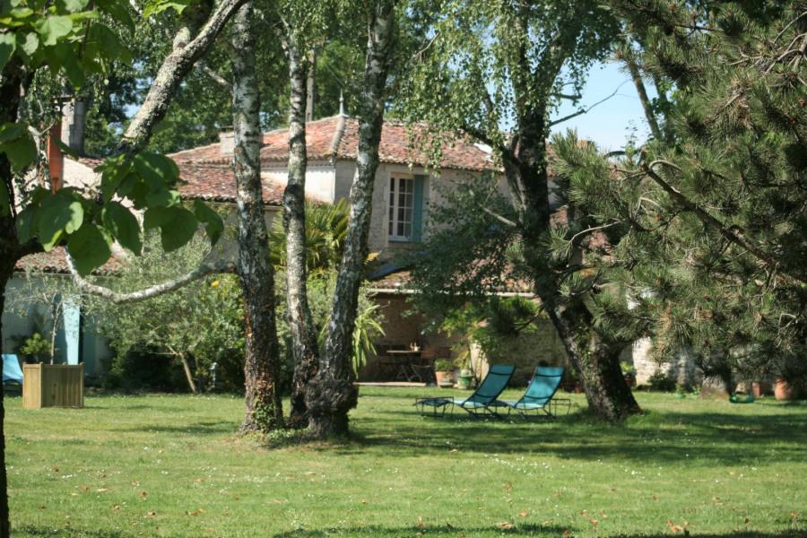 Location vacances Thézac -  Maison - 12 personnes - Barbecue - Photo N° 1