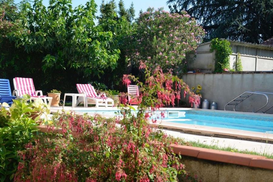 A proximité d'Albi, appartement plain pied avec piscine privée sur terrain clos. Aux portes de la...