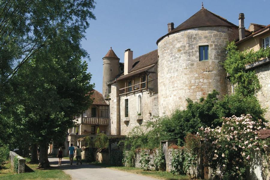 gite de groupe bourgogne 30 personnes confort 11 chambres Domaine de Venoise à Noyers Bourgogne - Noyers sur Serein