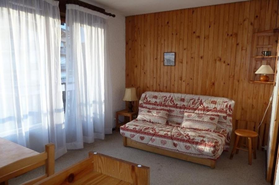 Résidence située au centre du village, à proximité de tous commerces, à 3 kms de La Clusaz et du Grand-Bornand, proch...