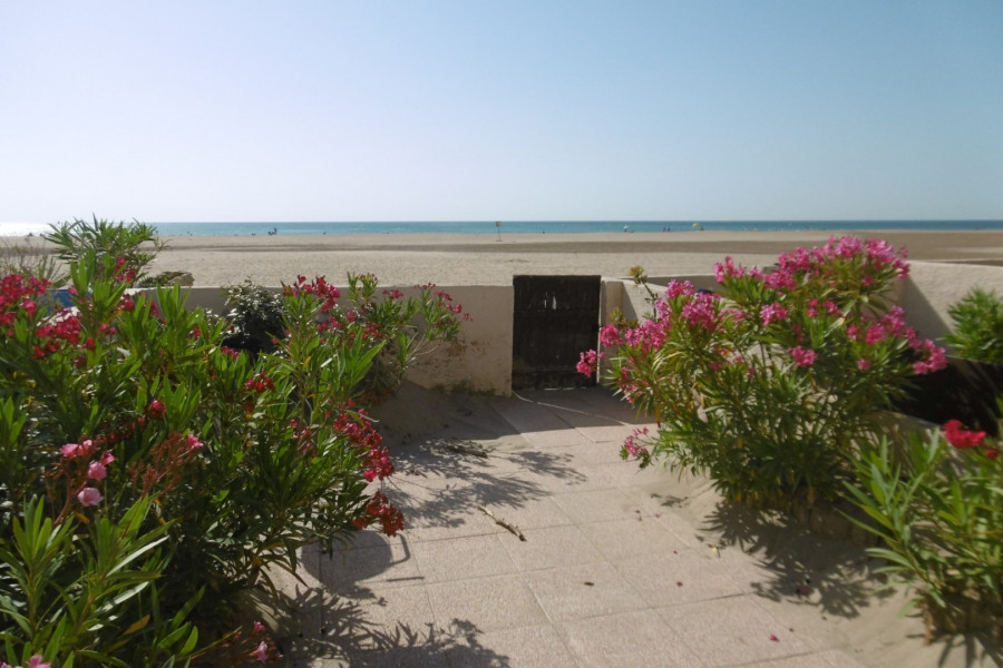 Location vacances Gruissan -  Appartement - 6 personnes - Micro-onde - Photo N° 1
