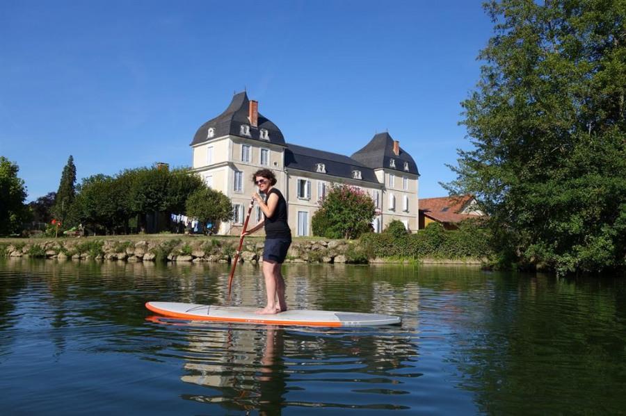 Le château vue de la rivière avec son paddle
