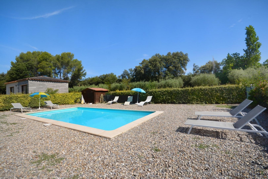 Location vacances Lambesc -  Gite - 4 personnes - Barbecue - Photo N° 1