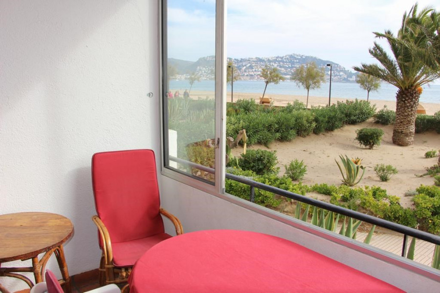 Location vacances Rosas -  Appartement - 4 personnes - Salon de jardin - Photo N° 1
