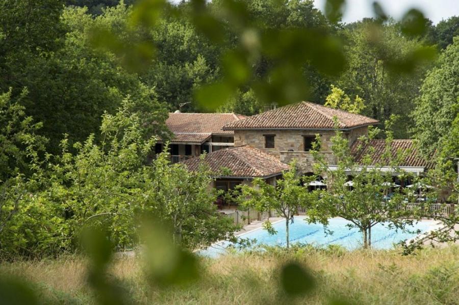 Camping Sunêlia Col d'Ibardin, 105 emplacements, 93 locatifs