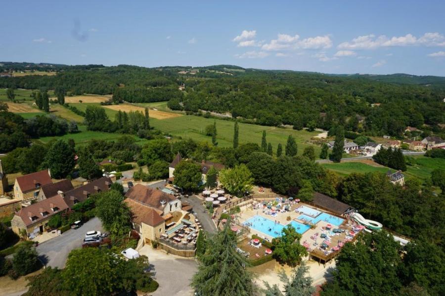 Camping Les Grottes de Roffy, 80 emplacements, 80 locatifs