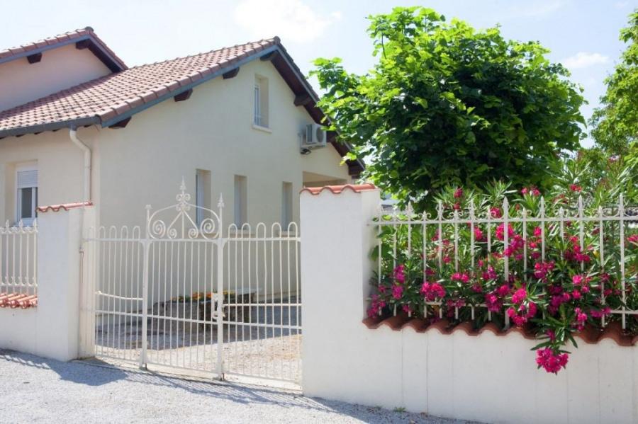 Maison 4 chambres, terrasse et jardin à Castres dans le Tarn.