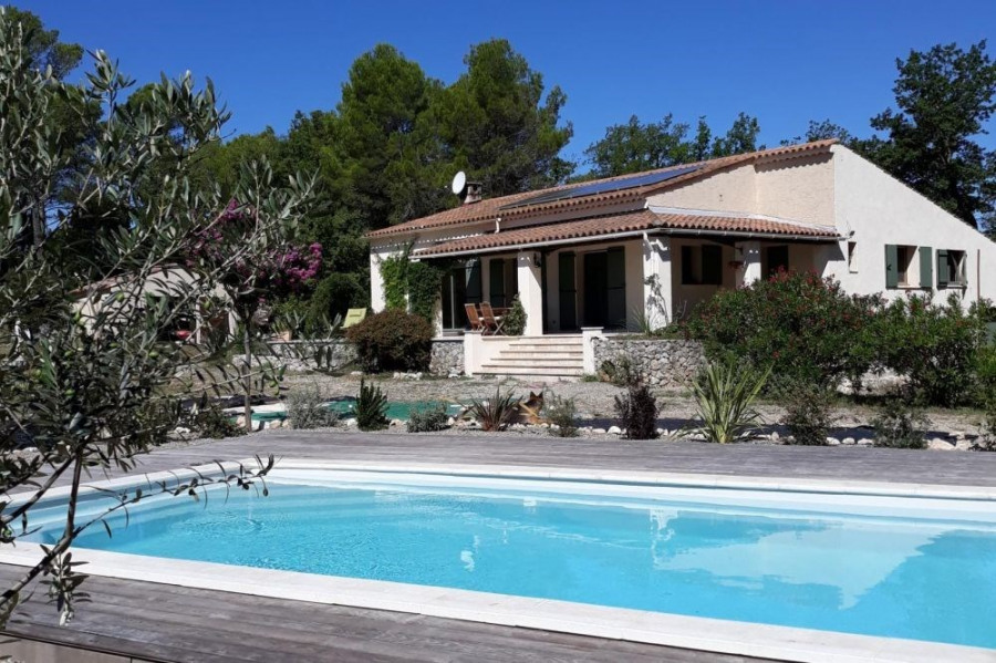 Location vacances Montmeyan -  Gite - 6 personnes - Barbecue - Photo N° 1