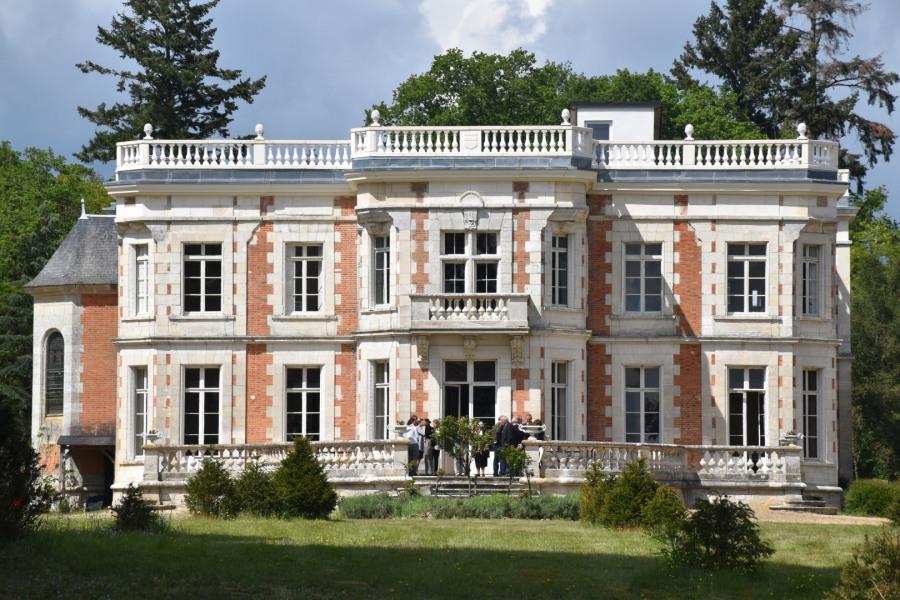 Location vacances Saint-Denis-de-l'Hôtel -  Maison - 14 personnes - Barbecue - Photo N° 1
