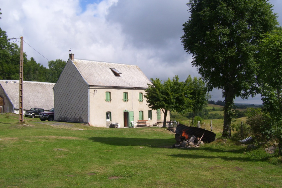 Holiday rentals Chambon-sur-Lac - Cottage - 10 persons - BBQ - Photo N° 1