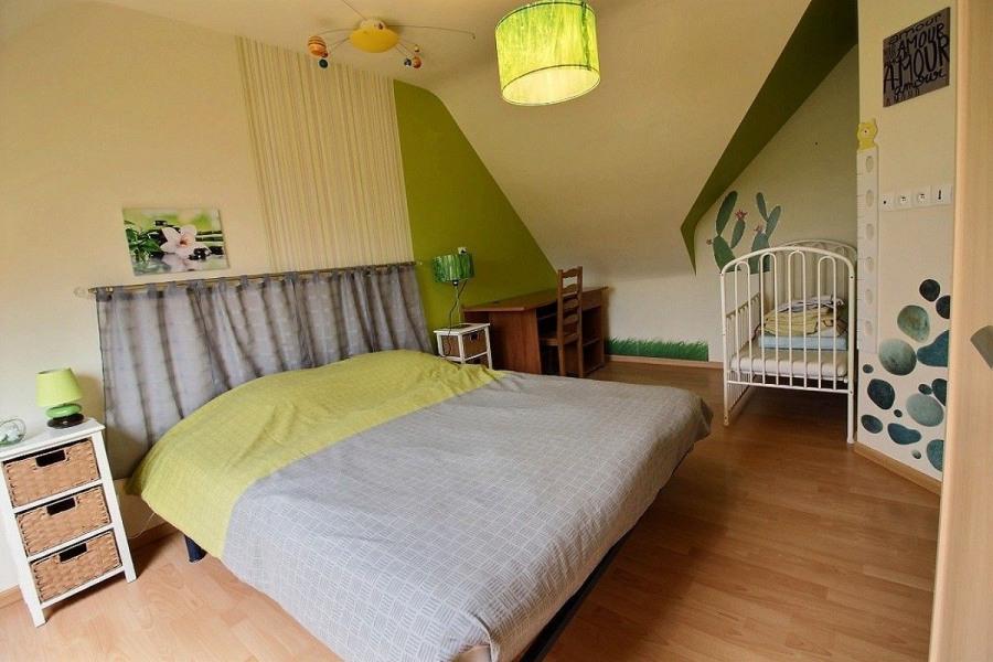 chb (lit 160 cm)+lit bébé, à l étage