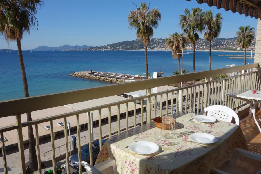 Juan Les Pins, front de mer, 2 pièces proche centre avec parking et Wifi