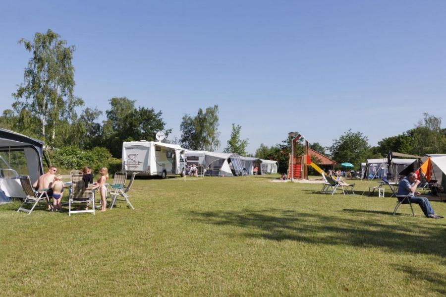 Familiecamping De Vossenburcht, 120 emplacements, 14 locatifs